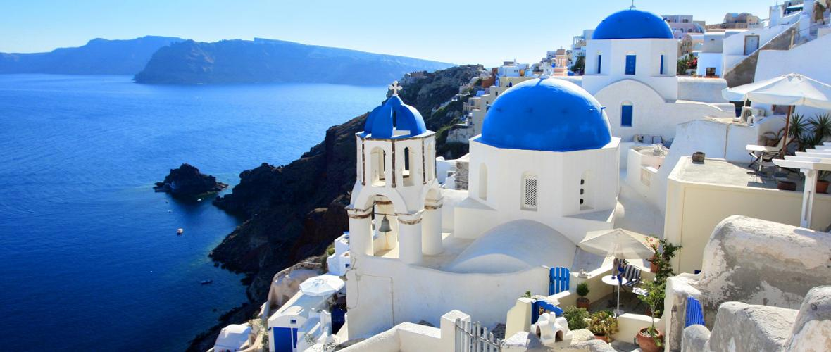 What to wear for a holiday in Santorini