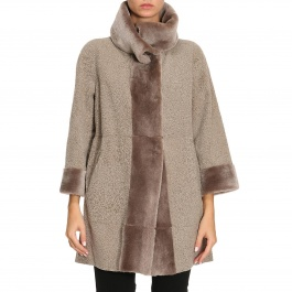 Fur coats Marester 1732