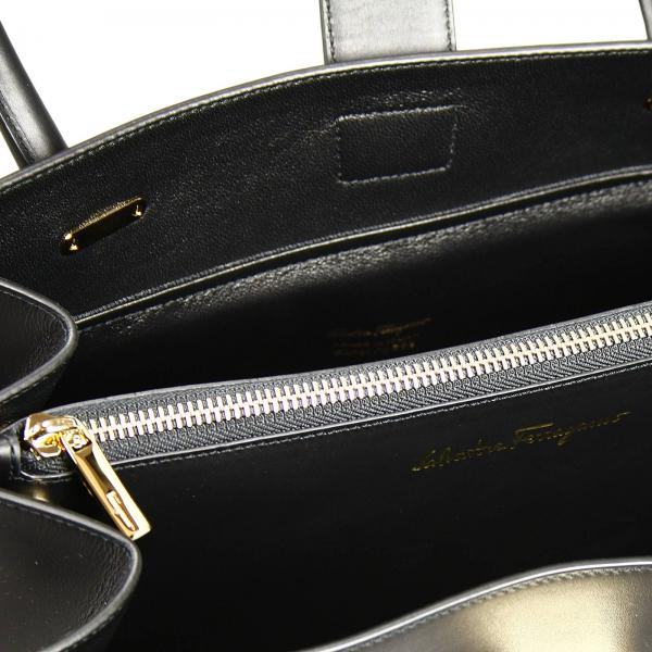 Salvatore Ferragamo Women s Black Shoulder Bag   Bag Marlene 2 Handles  Medium Zip   Salvatore Ferragamo Shoulder Bag 527365 21d552 - Giglio EN 77696715ea