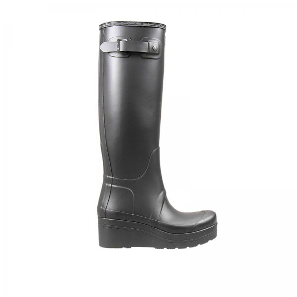 hunter black personals Hunter boots founded in 1856 by an american on scottish soil, hunter is renowned for handcrafted rain boots and all weather icons wwwhunterbootscom.