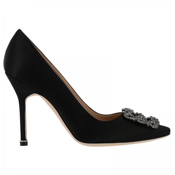 Hangisi Manolo Blahnik pumps with satin toe and Swarovski crystal buckle