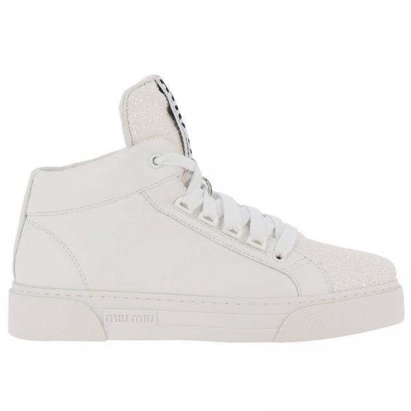 Sneakers a polacco stringata in pelle liscia e micro perline glitter con logo Miu Miu