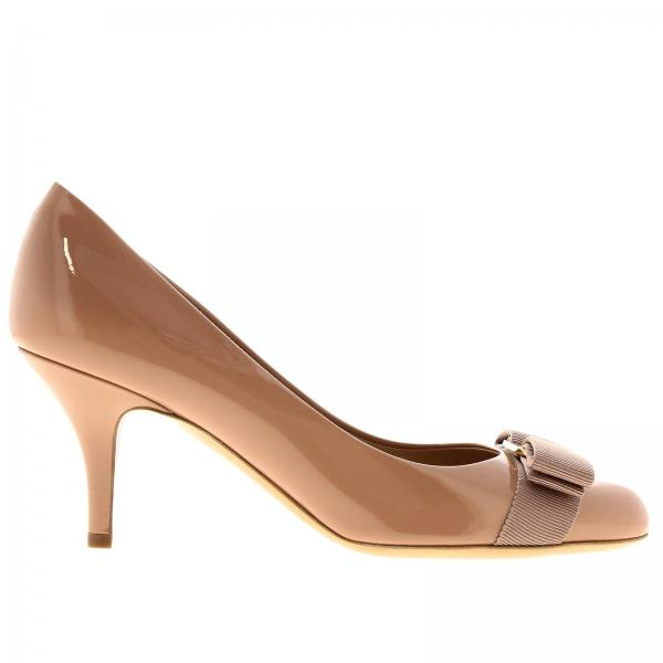 Court shoes Salvatore Ferragamo 01B788