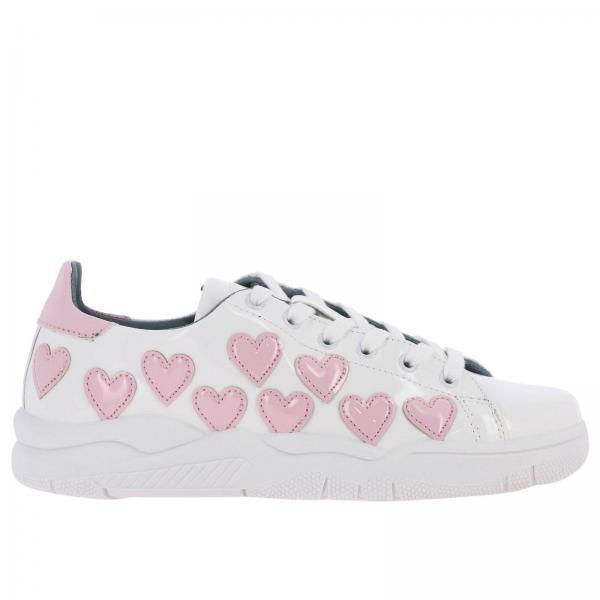 Sneakers Roger Chiara Ferragni stringata in vernice con maxi cuori a contrasto