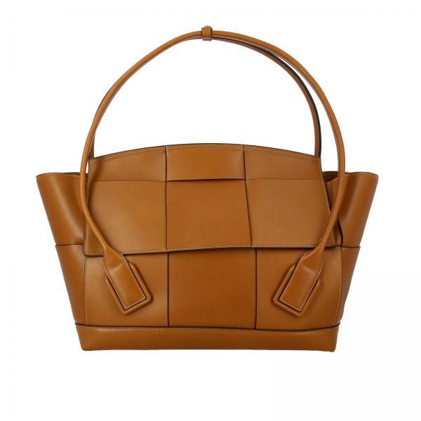 Bottega Veneta maxi bag in leather with woven macro pattern