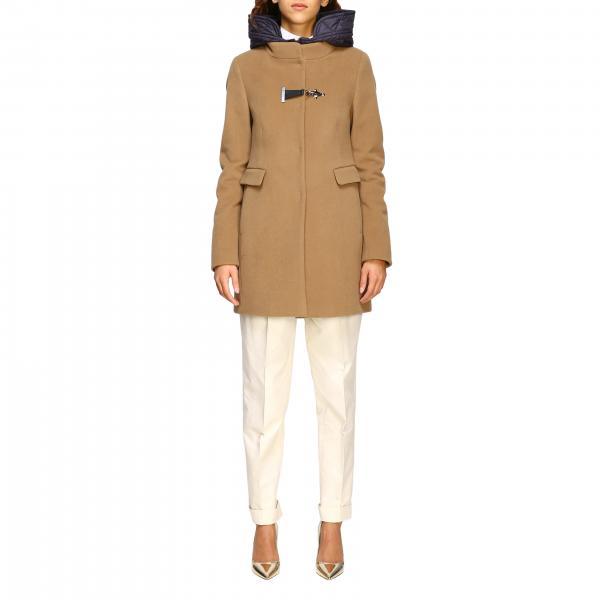 Manteau Virginia Fay avec plastron en nylon rembourré brandebourg et capuche