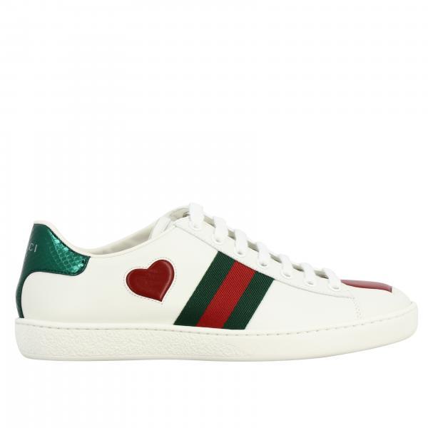 Sneakers New Ace Gucci in pelle con patch a forma di cuore