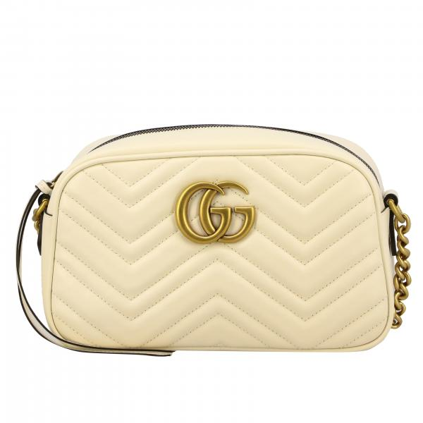 Borsa GG Marmont camera bag Gucci in vera pelle con trapuntato chevron