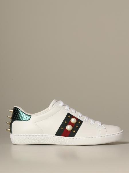 Sneakers Ace Gucci in pelle con perle e borchie