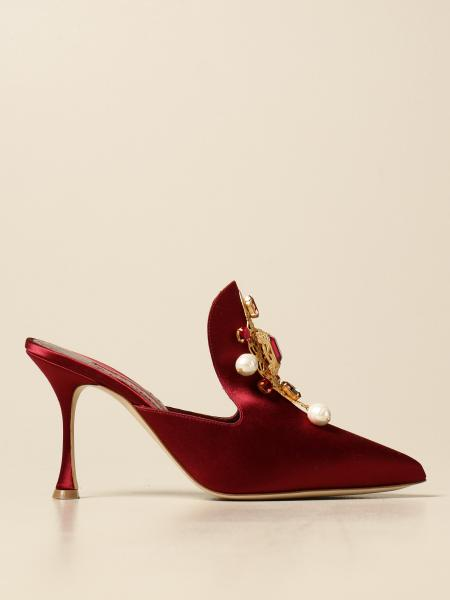 Décolleté Manolo Blahnik in satin con gioiello