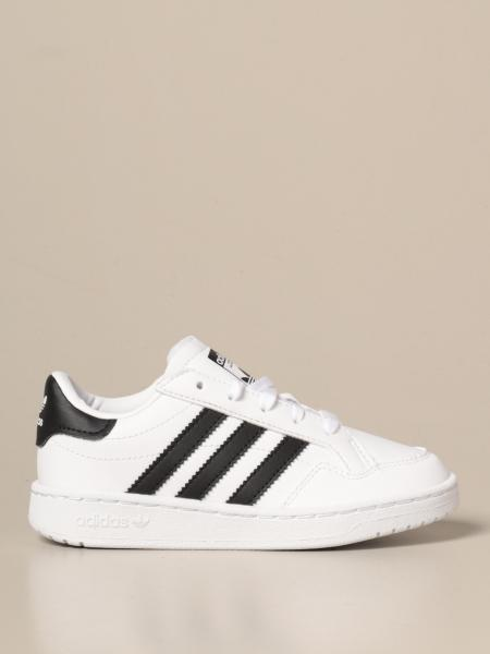 Adidas: Sneakers Team court C Adidas Originals in pelle