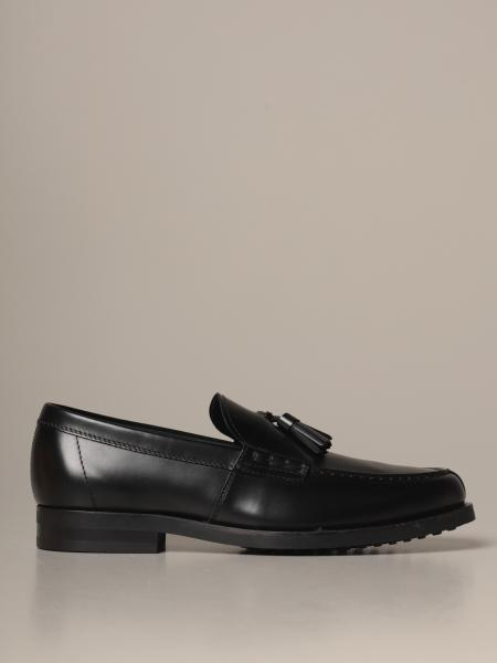 Tod's loafers in leather with tassels