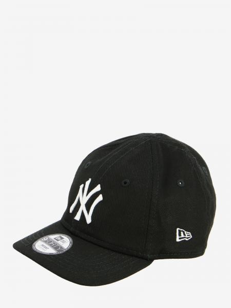 New Era basic hat with NY Yankees logo
