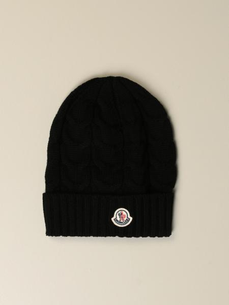 Cappello Moncler in lana a trecce con logo