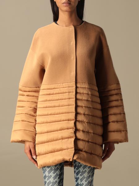 Cappotto Elisabetta Franchi con dettagli piumino