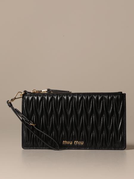Miu Miu 手腕包,配有卡包