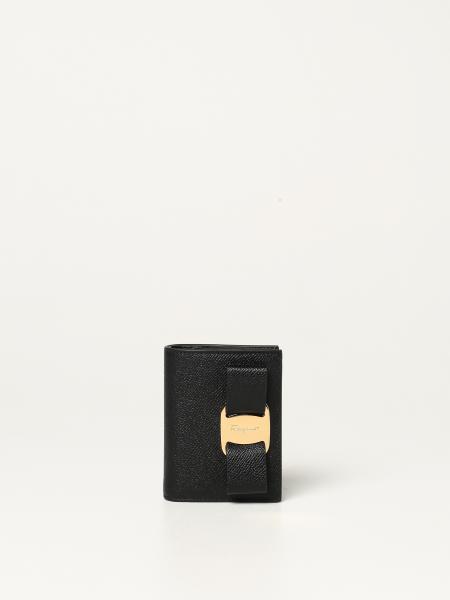 Salvatore Ferragamo: Salvatore Ferragamo Vara wallet in grained leather
