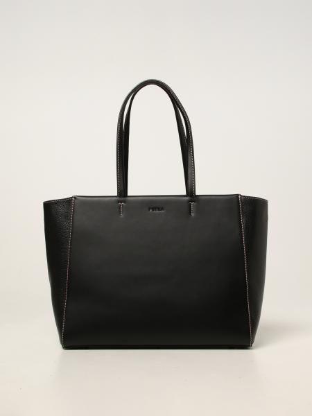 Regina Furla bag in textured and smooth leather