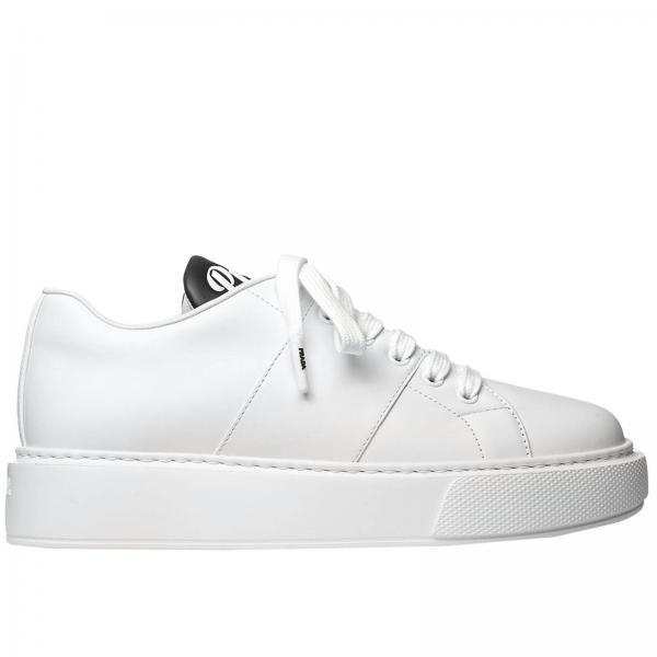 Sneakers Prada in pelle con maxi suola in gomma
