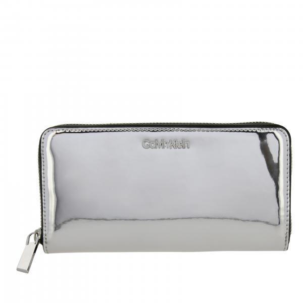Portafoglio Calvin Klein specchiato con logo metallico
