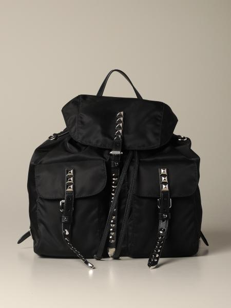 Prada logo和金属铆钉装饰真皮尼龙背包