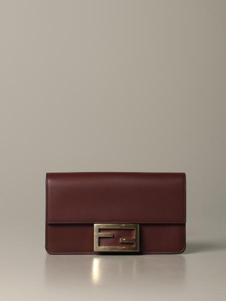 Clutch Flat Baguette Fendi in pelle