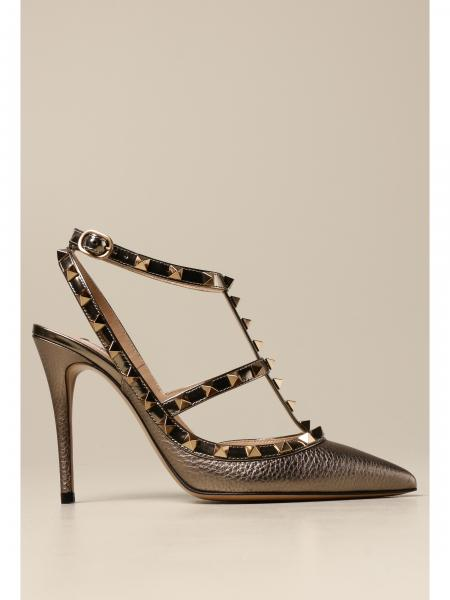 Valentino Garavani Rockstud pumps in hammered leather with studs