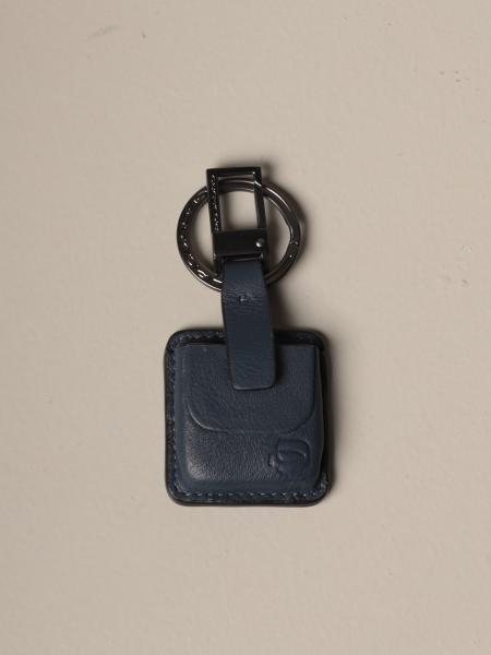 Piquadro keychain with CONNEQU in leather