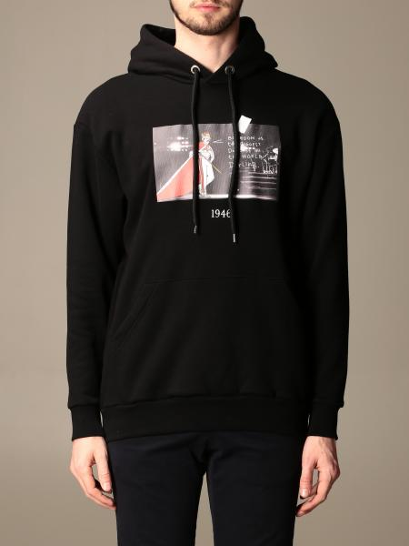 Throwback: Throwback hooded sweatshirt with front print