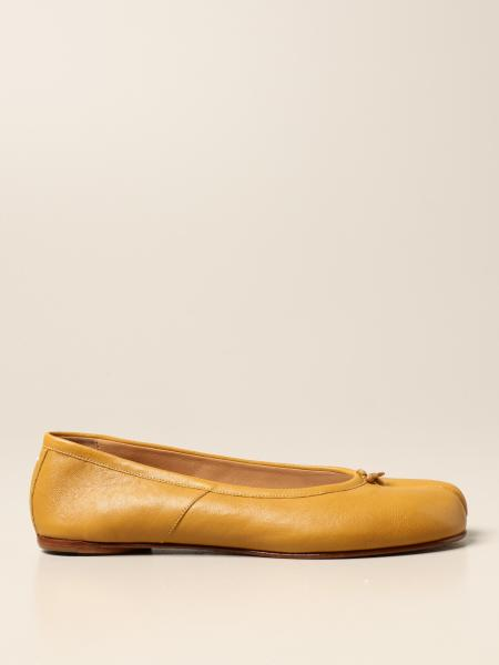 Maison Margiela: Tabi Maison Margiela ballerina in leather