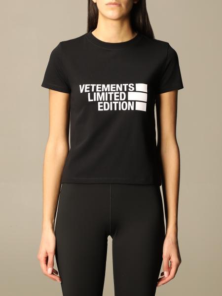Vetements: T恤 女士 Vetements