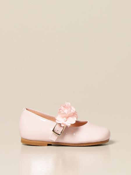 Clarys: Clarys ballerina in patent leather with floral applications