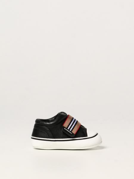 Burberry leather shoe