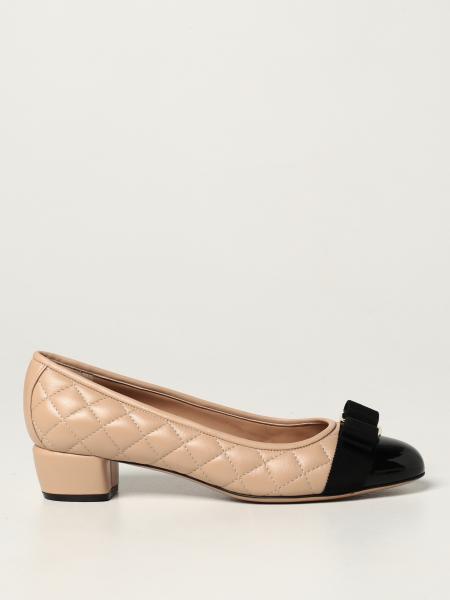 Туфли на каблуке Женское Salvatore Ferragamo