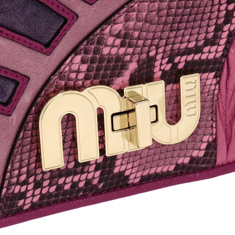 Borsa mini Miu Miu: Pochette grande in madras con stampa pitone e maxi chiusura logo a girello rosa 4
