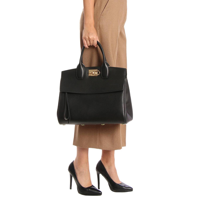Handtasche Salvatore Ferragamo: Schultertasche damen Salvatore Ferragamo schwarz 2