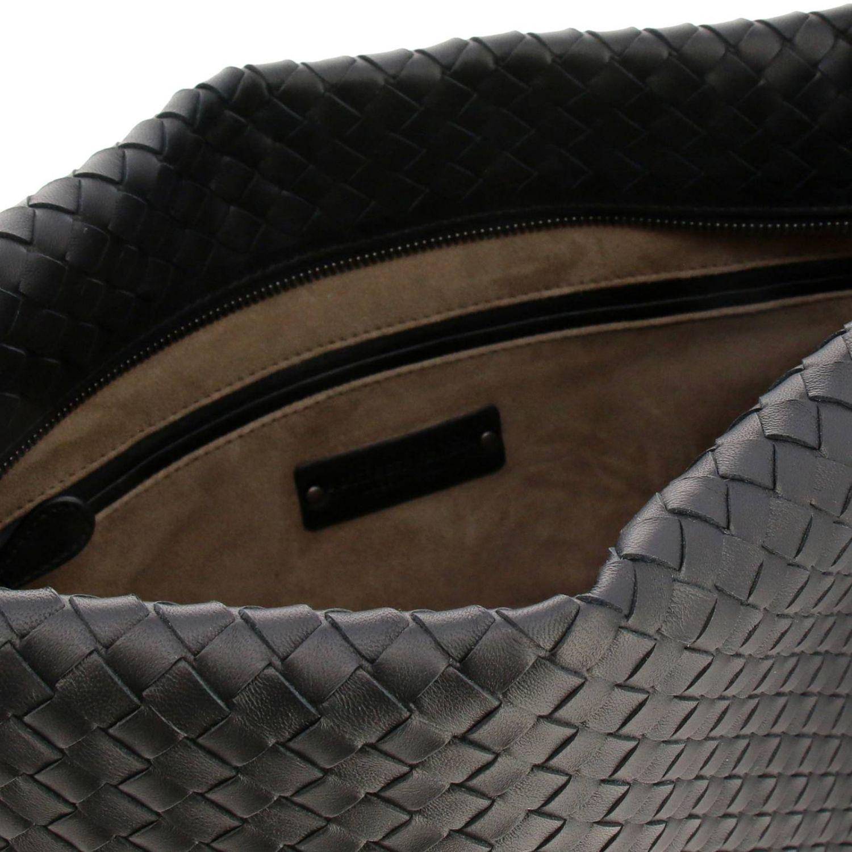 Borsa City Bottega Veneta in pelle con lavorazione intrecciata e tracolla nero 4