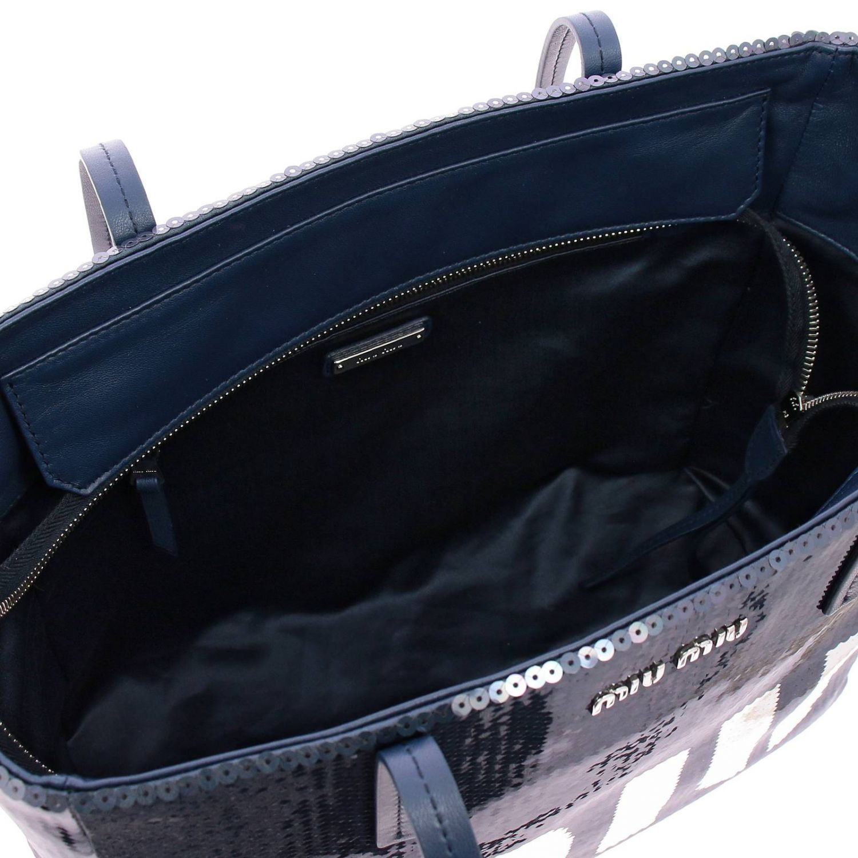 Borsa shopping bag medium in pelle laminata con paillettes all over e maxi logo Miu Miu blue 5