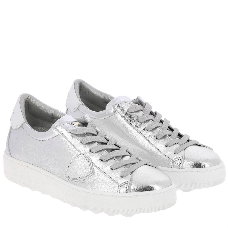 Sneakers Madeleine Runner stringata in pelle laminata con suola oversize argento 2