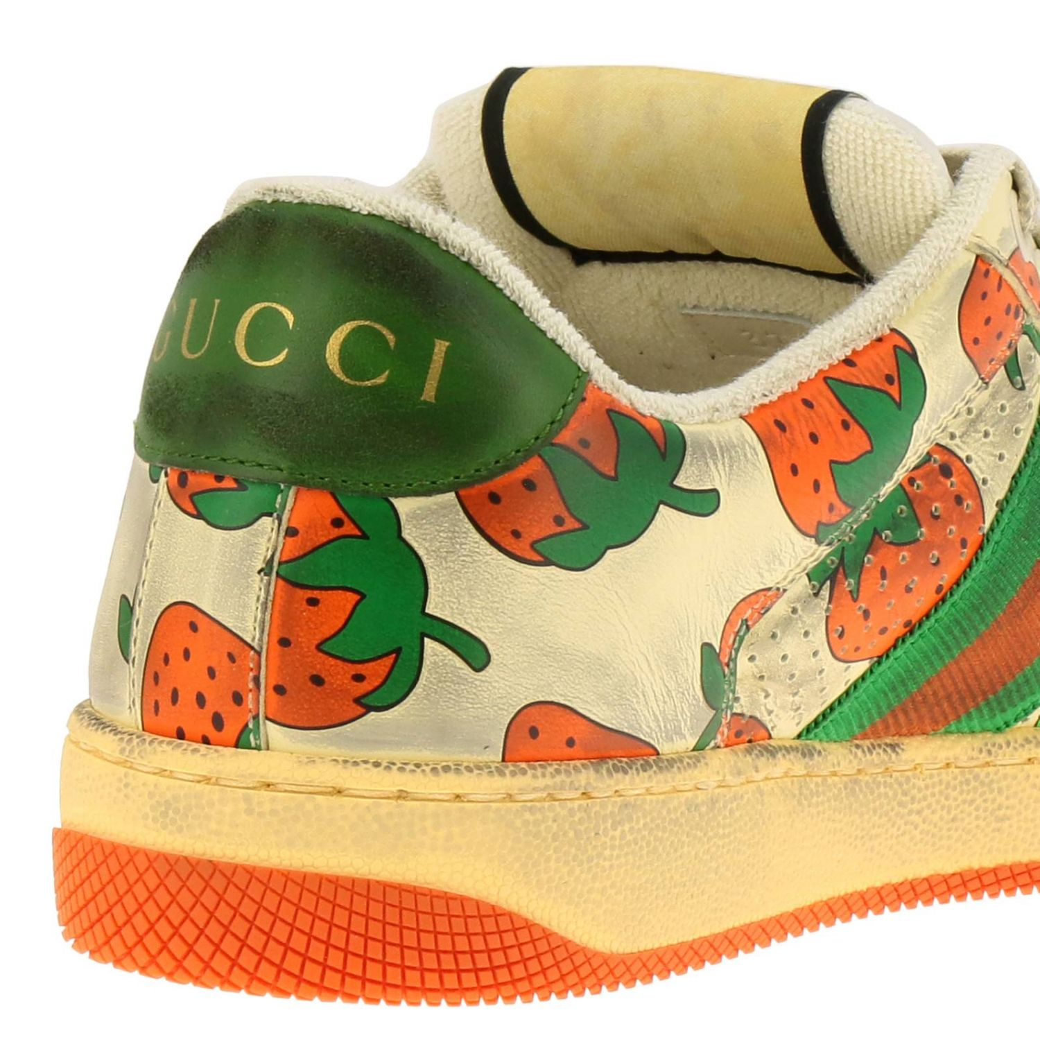 Sneakers Virtus Gucci in pelle vintage con stampa fragole all over bianco 4