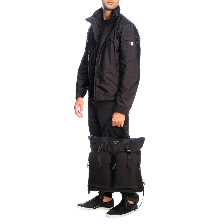 Sac cabas shopping bag Prada en nylon avec maxi-poches et logo triangulaire noir 2