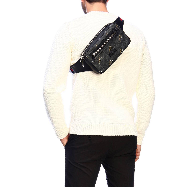 Kleine Full Zip Tasche mit durchgehendem Reißverschluss aus GG Supreme Gucci-Stoff mit Tiger-Aufdruck schwarz 2