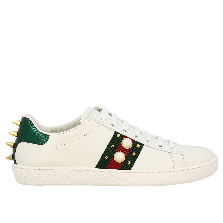 Sneakers New Ace stringata in pelle liscia con fasce Web Gucci maxi perle e borchie metalliche bianco 1