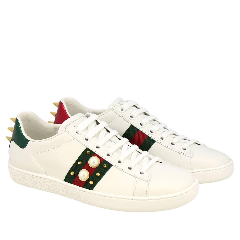 Sneakers New Ace stringata in pelle liscia con fasce Web Gucci maxi perle e borchie metalliche bianco 2