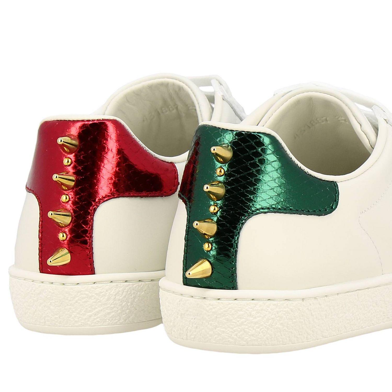 Sneakers New Ace stringata in pelle liscia con fasce Web Gucci maxi perle e borchie metalliche bianco 4
