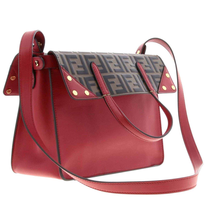 Fendi小号手提包采用哑光皮革制成,配有FF细节 红色 3