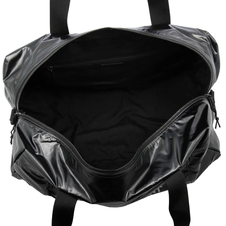 Sacca Saint Laurent extra large in nylon lucido con maxi logo nero 5