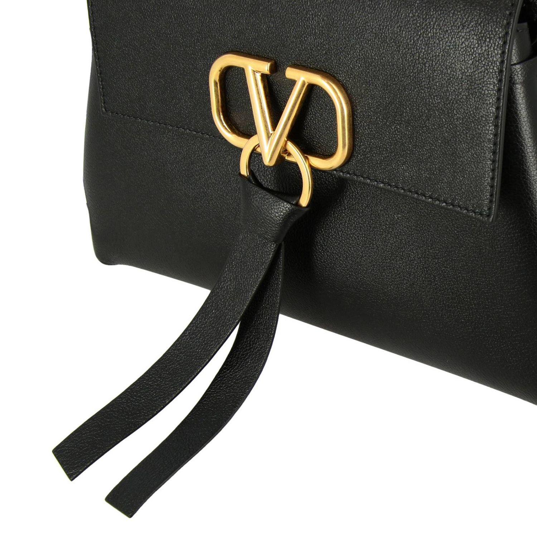 Valentino Garavani VLogo 手袋,采用锤打皮革制成,配有大号monogram V. 黑色 4