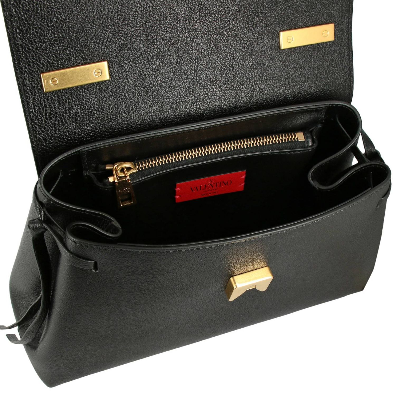 Valentino Garavani VLogo 手袋,采用锤打皮革制成,配有大号monogram V. 黑色 5