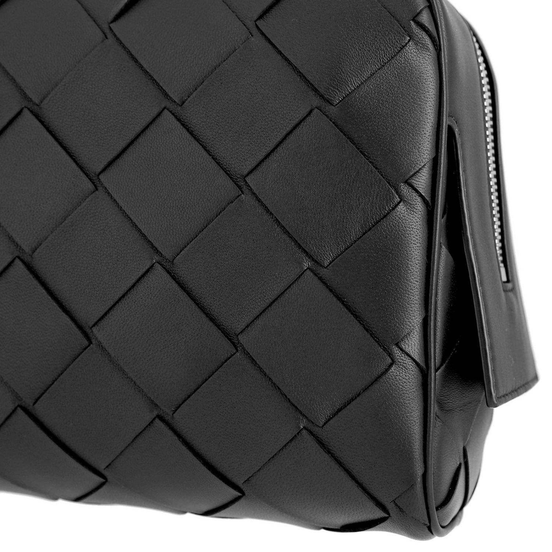 Bottega Veneta Beauty Case in maxi woven leather black 4